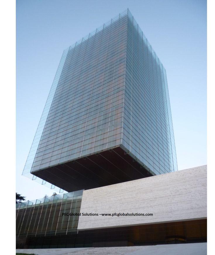 Torre Castelar de Madrid, flotando