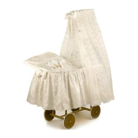 """Italbaby Детская кроватка-люлька с балдахином Angioletti  — 52560р.  Детская кроватка-люлька с балдахином """"Angioletti"""" молочного цвета марки Italbaby. Модель стилизована под колыбели прошлых эпох. Колыбель украшена длинным тюлевым пологом, который заботливо укрывает корзину и создает уютное уединенное пространство для вашего малыша. Для декора используются атласные ленты, объемные аппликации на постельных принадлежностях. Декор поражает своим богатством и очарованием. В такой…"""