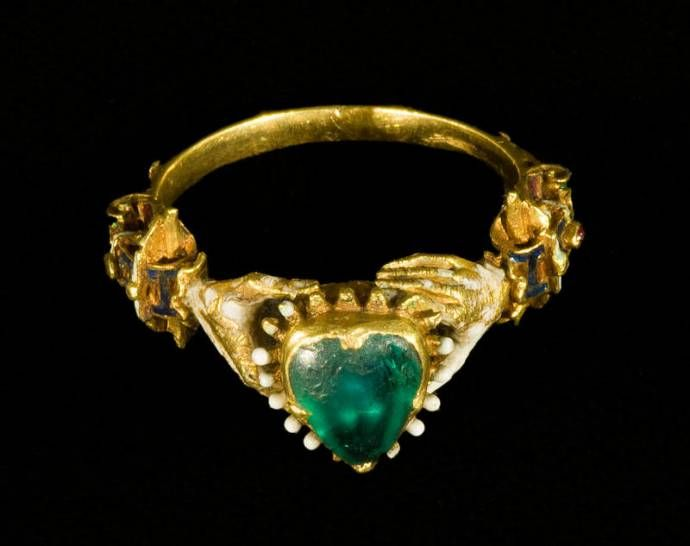 Un anello  ....spesso il sogno di ogni donna