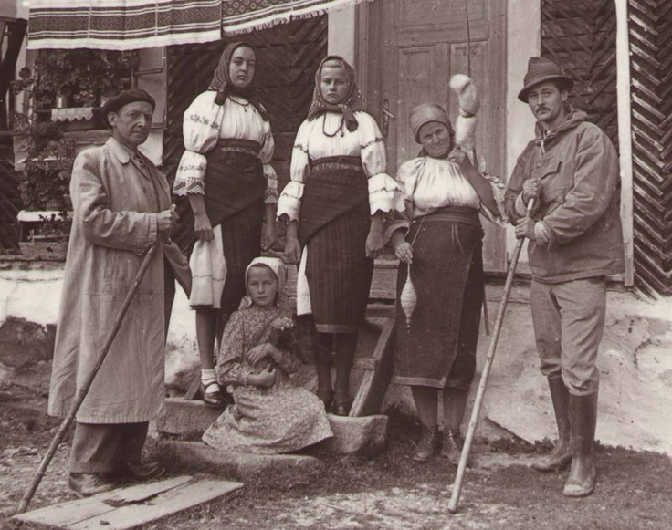 Jagamas János with the Csángó people:)