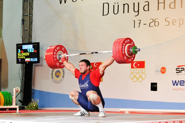 Dmitriy Klokov. Absolute animal! #crossfit #snatch
