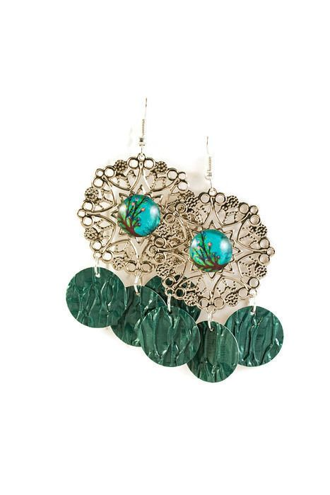 Boucles d'Oreilles Cabochons Légères - Arbre de Vie - Filigrane Argenté et Séquins Verts : Boucles d'oreille par cap-and-pap