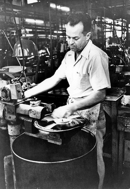 /// Record manufacturing 1954