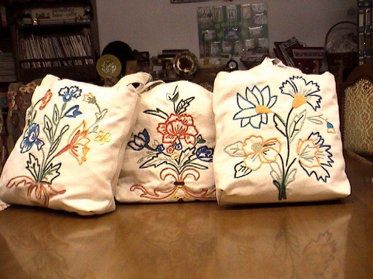 Le borse ricamate su tessuto bandera
