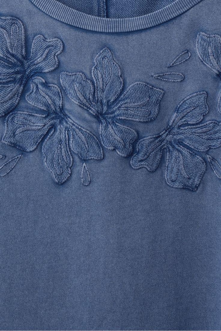shirt met geborduurde bloemen