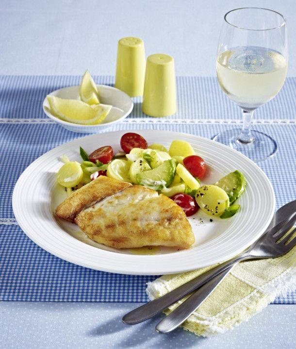 Unser beliebtes Rezept für Viktoriabarsch an Avocado-Kartoffelsalat und mehr als 55.000 weitere kostenlose Rezepte auf LECKER.de.