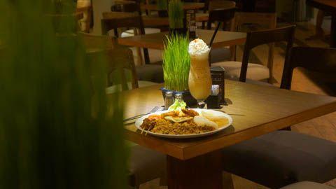 Nasi Goreng Special and Cafe Nutty Memories in Kuta, Bali   TravelJunkieIndonesia.com