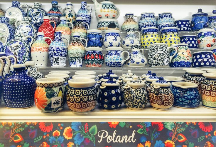 Poles are really good when it comes to ceramics and pottery! They do these gorgeous bowls and vessels by hand, by extremely skilled craftsmen. The designs can be so different and colorful, that is hard to decide on only one model :)
