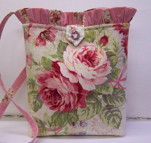 .cute purse. Great Flickr site!