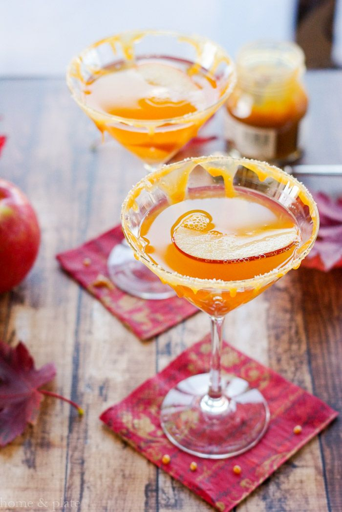 Salted Caramel Apple Martini http://www.homeandplate.com/blog/2015/salted-caramel-apple-martini