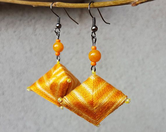Origami 3D pyramid light orange cotton thread by SorrisoDesign