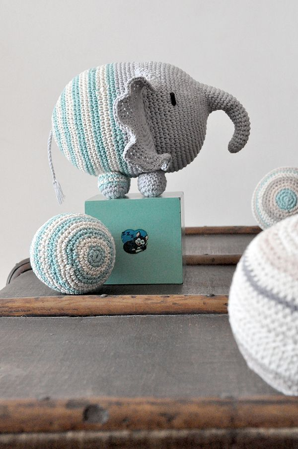 Counting Stone Sheep: Crochet Knitting, Elephants, Crumb, Amigurumis, De Pan, Crochet Amigurumi, Baby, Diy, Crafts