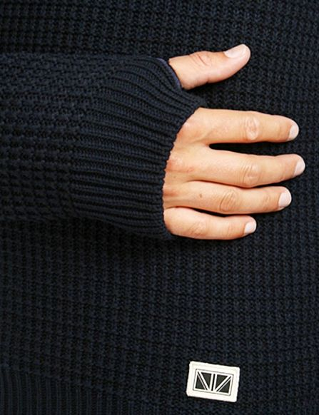 Thumbholes #REED #sweater by Brixtol
