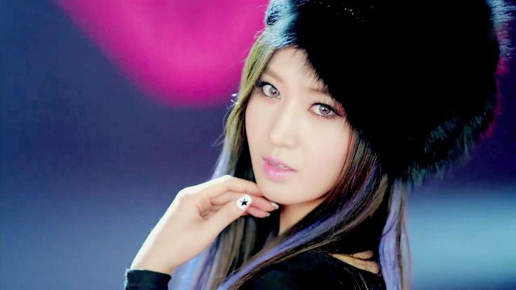 Girls' Generation Yuri SNSD - I Got a Boy