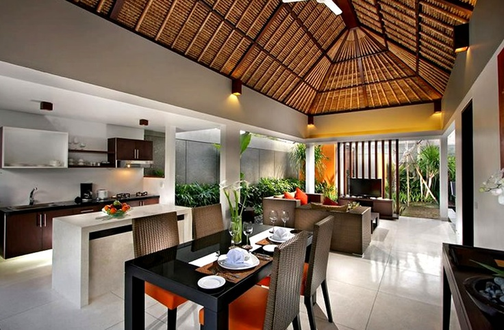 TROPICAL INTERIOR DECOR