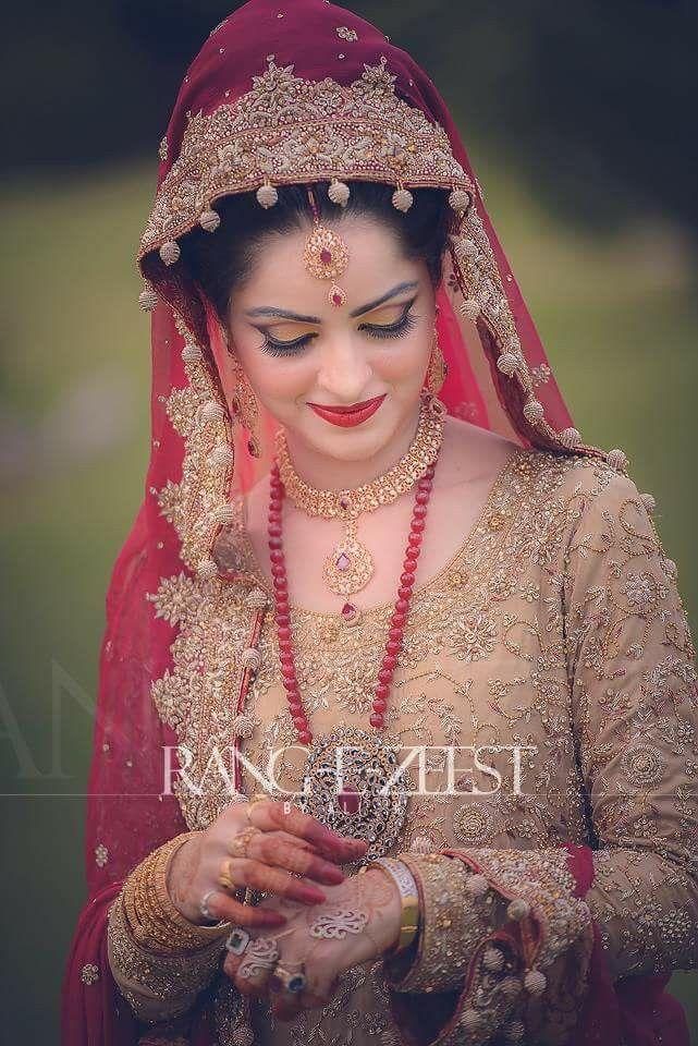 Noor                                                                                                                                                                                 More