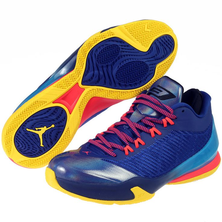 """Zapatilla Jordan CP3 VIII """"Blue"""", esenciales para lograr un estilo de juego tan veloz e implacable como el de Chris Paul www.basketspirit.com/Zapatillas-Baloncesto/Zapatillas-Jordan"""