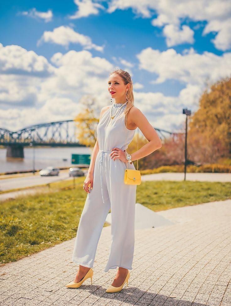 My favourite greyjumpsuit #greyjumpsuit #jumpsuit #heels #yellowheels #pastel #look #stylizacja #blogerka #blogger #fashion #outit #sandicious #moda #ootd #sunglasses #pastellook #pastelove