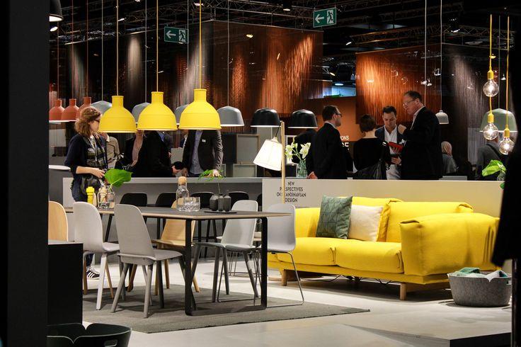 trendbericht imm 2016 imm 2016 messe k ln sofa gelb gelbe lampen und m bel. Black Bedroom Furniture Sets. Home Design Ideas