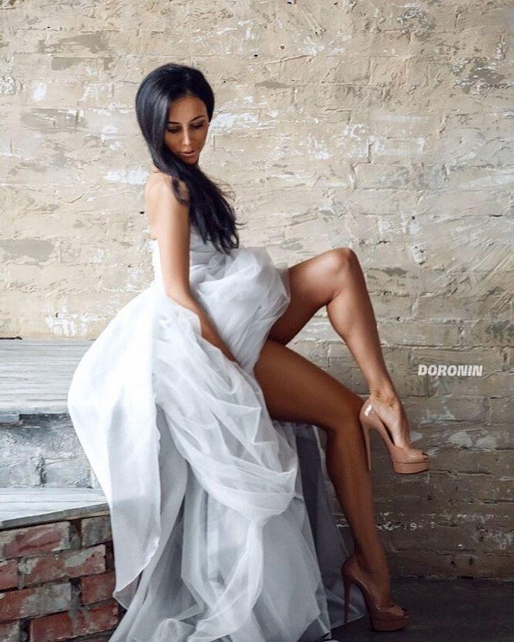 Ph: @doronin_pro  #chertovka #yanakashcheeva #попаноги #бикини #фитнесбикини #фитнес #спортлайф #wolfangels #motivation #мотивация #спортгерл #фитнесклуб #фитнес #fitnessmodel #fitnessgirl #попакакорех #фотосъемка #фотосессия #фотография #pickoftheday #picoftheday #pickyourselfup #wolfangels #sexywoman #wedding #weddingdress http://gelinshop.com/ipost/1526115037491953212/?code=BUt2Yp4Fv48