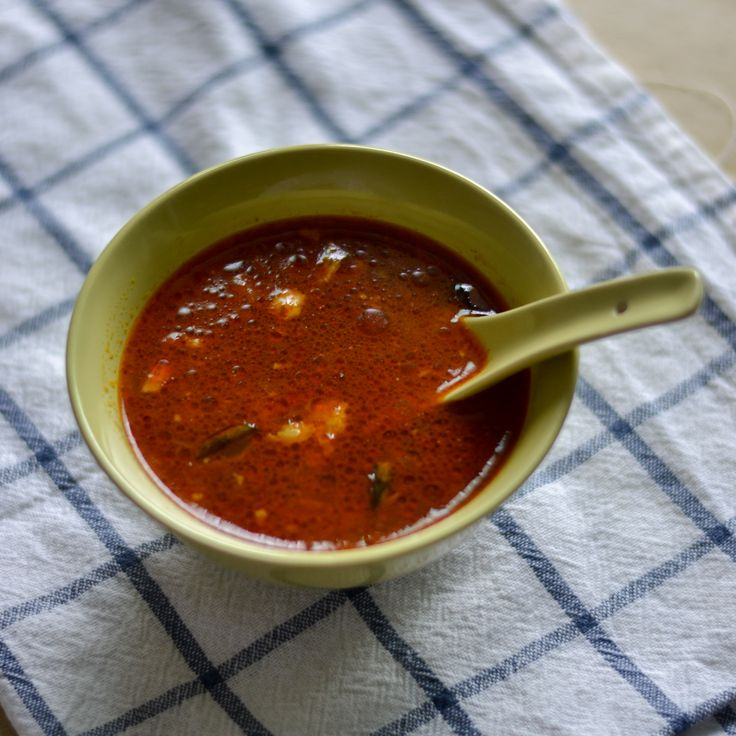 A very simple and robust naatu kozhi rasam / soup made using country chicken bones and home made rasam powder. A very delicious Tamilnadu style recipe.