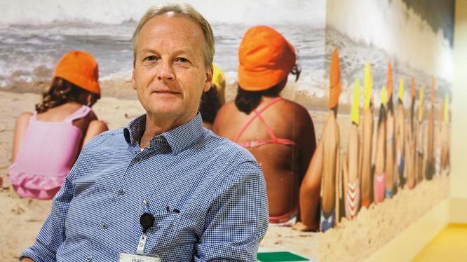 """Link to article in VK (Dutch): """"Overleggen met de patient. Volgens kinderarts Paul Brand zit dat niet in het dna van medici. Hoog tijd dat het paternalisme uit behandelkamers verdwijnt."""""""