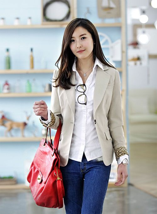 Casual business attire for women Dress up jeans with a khaki jacket  Cute Business Attire