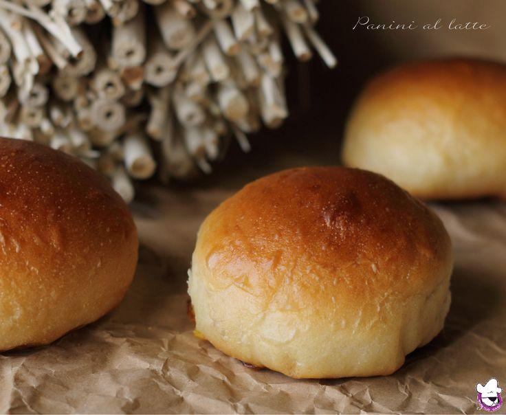 Panini al latte, ricetta tradizionale e ricetta Bimby