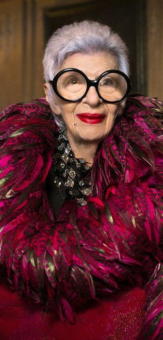 """Dix instants, dix silhouettes, dix citations et une femme - """"Style is attitude…"""