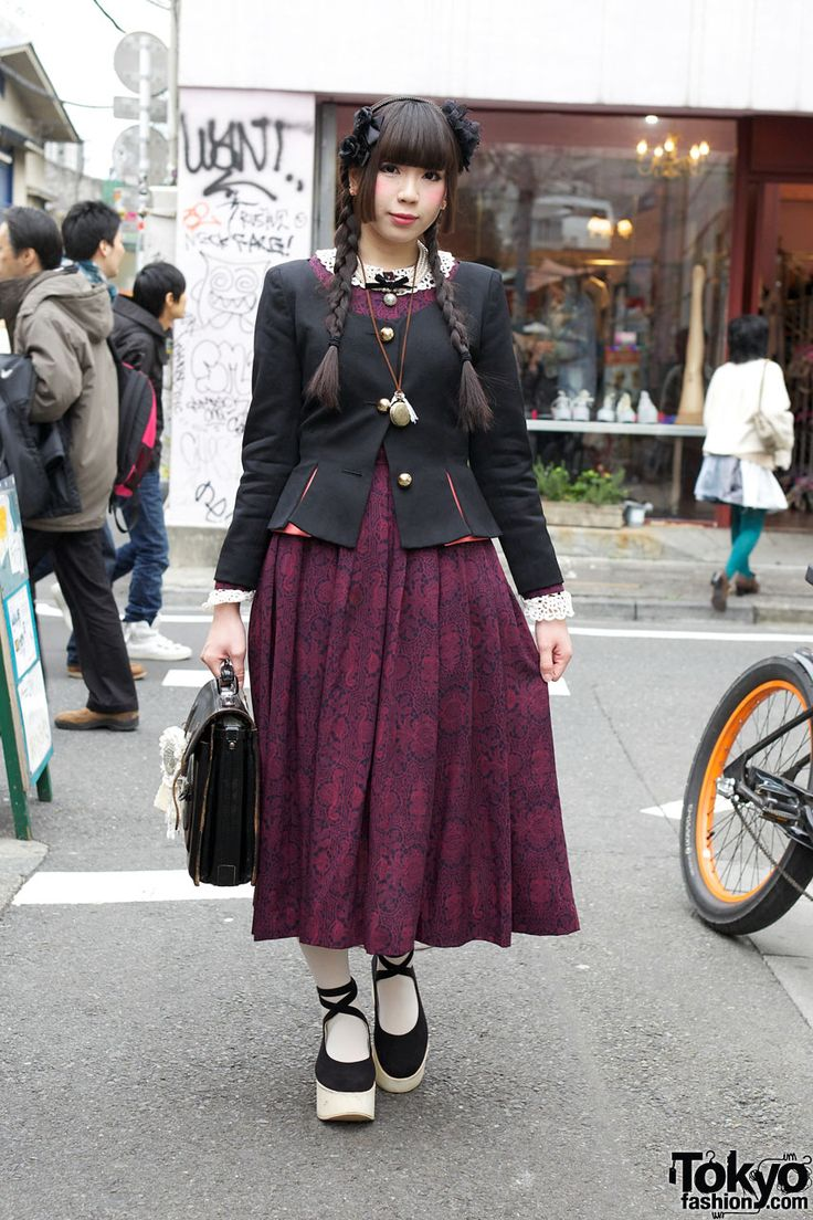 Vintage-loving Harajuku girl, she reminds me of Mai from Avatar.