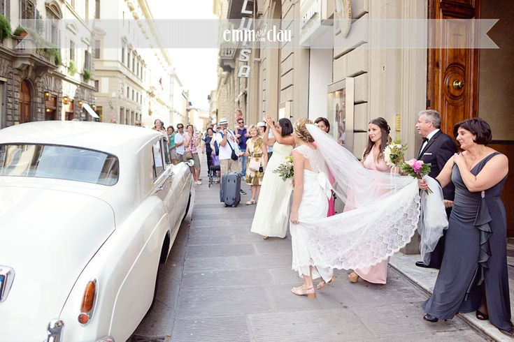 Wedding in italy in the hearth of Florence Via roma www.florencewithaview.com