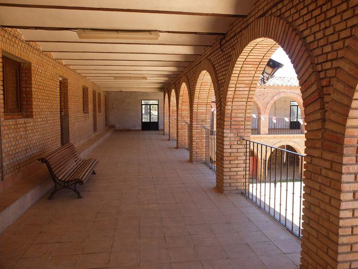El Viso del Marqués- Galería superior de Plaza de toros