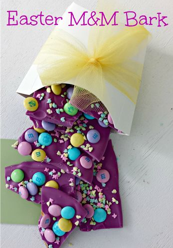 Purple Easter M&M Bark Looking for treats for the kids this year, or something fun to make with the kids! Check out this Purple ...
