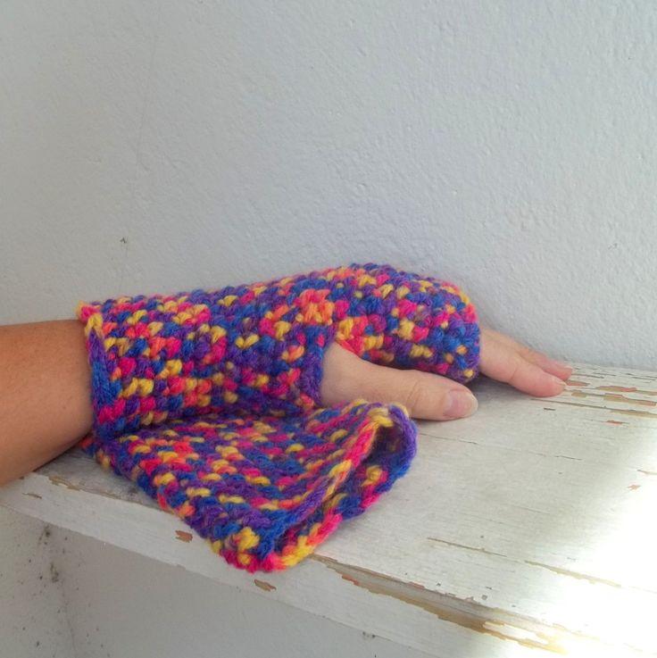 Bezprsťáky barevné, ručně háčkované návleky na ruce, příjemný silnější akryl v pestrých tónech.