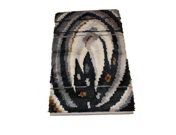 Gorgeous vintage modernist Rya Rug / Carpet with decorative