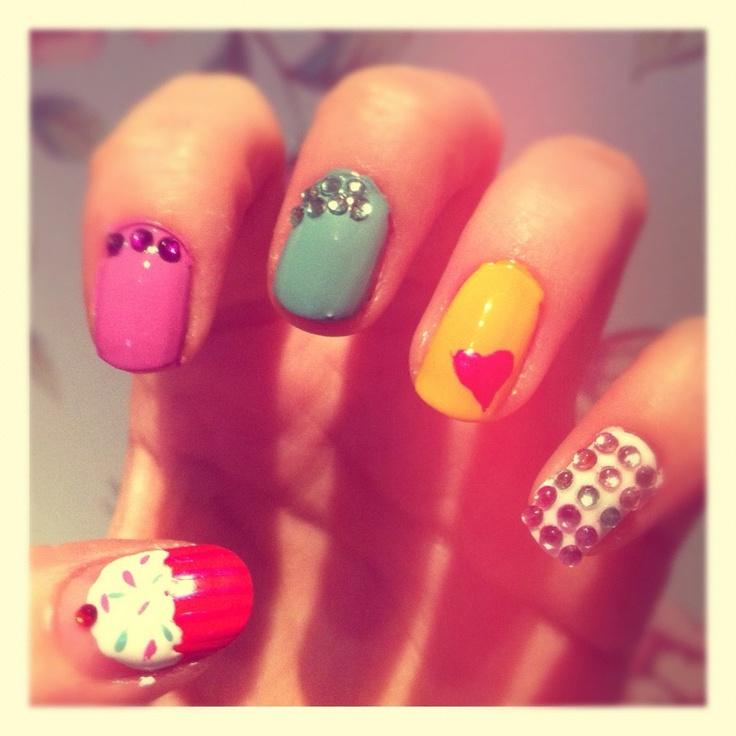Cupcake & Diamond Nails!