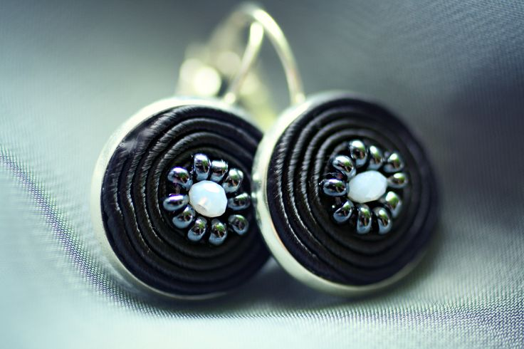 Black and White  Soutache earrings  18mm diameter