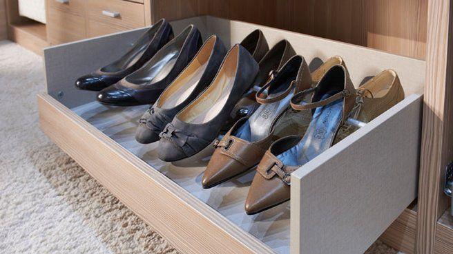 Tiroir à chaussures.