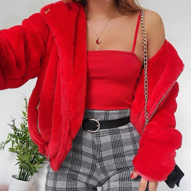 All the festive outfits plzzz ❤️ this red faux fur biker jacket is like all my favourite things in one, so expect to see it a lot over the next few weeks! Product codes below - wearing all @boohoo JACKET: DZZ33538 BODYSUIT: DZZ40418 TROUSERS: DZZ34931