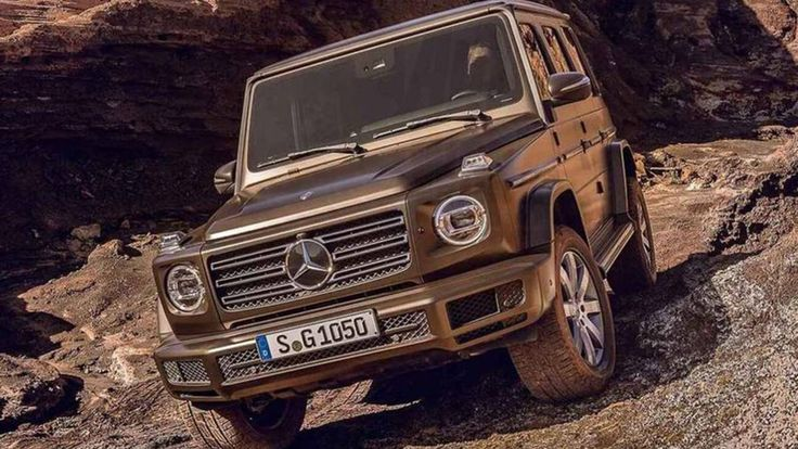 @http://autoweek.com/article/detroit-auto-show/2019-mercedes-benz-g-class-leaked-detroit-auto-show-debut-and-shows Here it is: The all-new Mercedes-Benz G-Class has leaked before its official Detroit auto show debut, and it doesn't look very different. The biggest visual changes to the still-boxy SUV appear ...