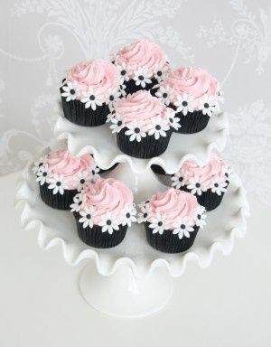 a wine cupcake- better for the wine lovers