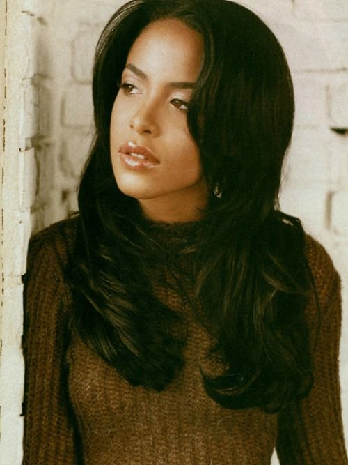 One day of my hair... the beautiful talented Aaliyah..R.I.P My favorite singer.