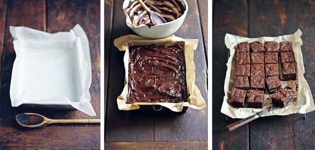 Iedere week vind je de lekkerste recepten bij Libelle. Deze week een recept voor chocolade fudge brownies. Benodigdheden voor 20 stuks chocolade fudge brownies 3 eieren 220 g suiker (plus nog 2 el suiker) 300 g pure chocolade in stukjes…