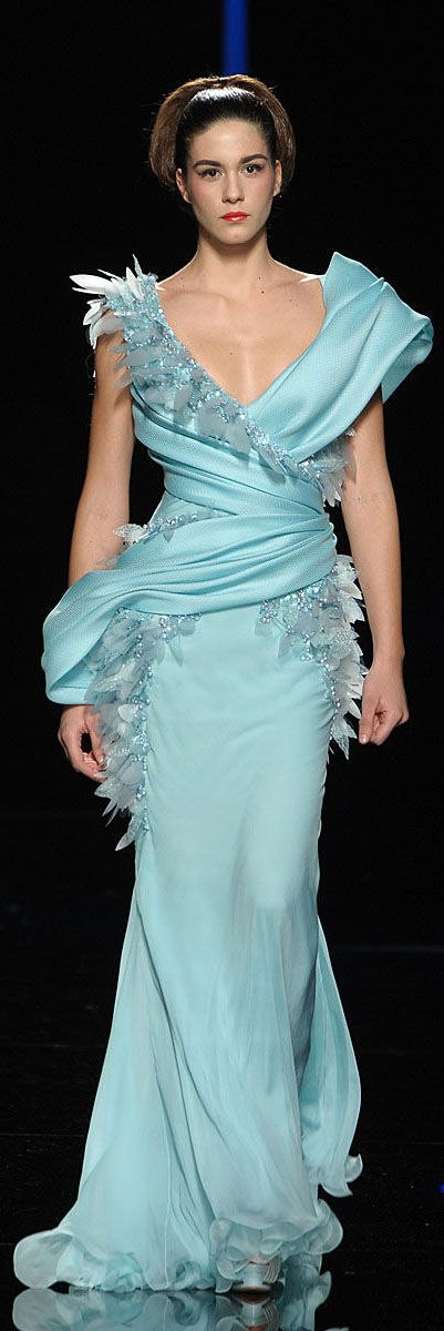 Abed Mahfouz - Couture - Spring-Summer 2010 http://en.flip-zone.com/fashion/couture-1/independant-designers-41/abed-mahfouz-1584