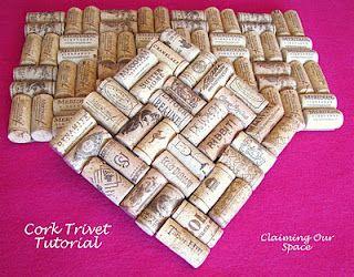 Cork Trivet Tutorial- Felt, hot glue and corks
