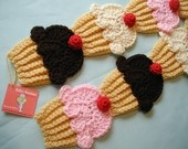 Cupcake scarf. Cute!! love it..