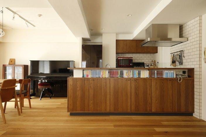 今回ご紹介するのは、キッチンカウンターとキッチンの吊戸収納です。 リフォームに合わせて納めさせて頂いたカウンタ…