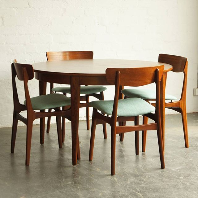 Just Finished Restoration Ready For Delivery Round Extendable Teak Dining Tabl With Images Scandinavian Dining Room Vintage Dining Table Midcentury Modern Dining Chairs