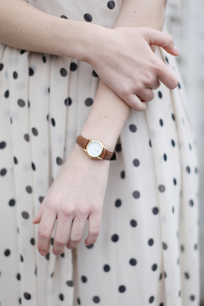 simple brown band watch