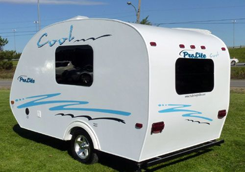 Modern travel trailers with weight under 1000lbs can offer amenities you would only expect from larger campers; here we've compiled a list of 8 of our favorites